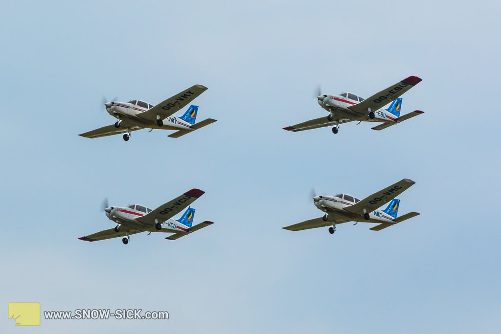 BAF-Days-2016-Formation-team-The-Victors-Piper-PA-28-Cherokee-006.jpg
